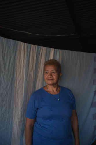 Ramona González, 57, femme au foyer. « Il me faut à manger. Aujourd'hui j'ai trouvé de la farine de maïs, ma famille va pouvoir manger ce soir et demain, mais après? Je dois ressortir et refaire la queue. On reçoit un colis alimentaire tous les 45 jours, donc au moins on a ça. Mais ce n'est plus comme avant. Je ne sais pas si cette élection va changer quelque chose. On dit que tous les candidats sont secrètement du même parti. Je garde espoir, mais c'est peut-être le début de six nouvelles années de misère.»