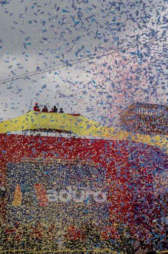 Lancer de confetti à Caracas durant l'ultime rassemblement de campagne de Nicolas Maduro avant le scrutin du dimanche 20mai.