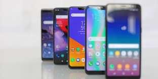 Cinq smartphones autour de 450 euros.