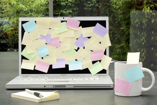 On s'attendrait à ce que les nouvelles technologies balaient complètement le Post-it. Il n'en est rien.