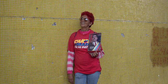 Nelly Aria Delgado, 66 ans, femme au foyer. « Il me manque un logement. Je me suis inscrite aux logements sociaux il y a des années et j'attends toujours. Mais je suis venue ici (au rassemblement de Maduro) aujourd'hui avec de l'amour, pas par intérêt. Je vais voter car je ne peux pas trahir mon pays, même si mon fils n'arrête pas de me demander pourquoi je continue à venir. Ça m'est égal, je vais venir, je vais voter, et avec un peu de chance, le président aura pitié de moi.»