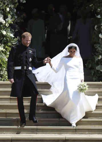 Les deux époux à la sortie de la chapelle Saint-Georges.