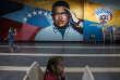 Un portrait de l'ancien président vénézuélien Hugo Chavez à Caracas, le 18 mai 2018.