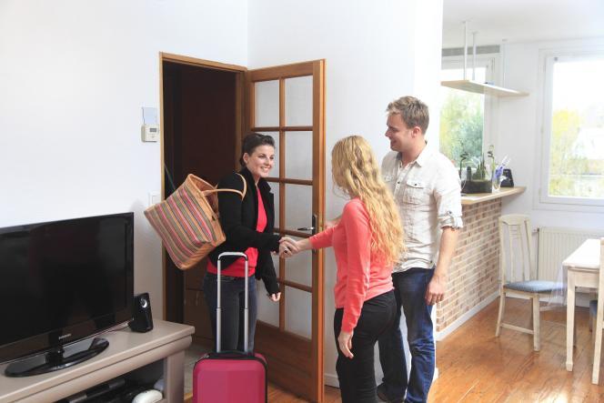 «Les copropriétaires affirment que le turn over de la location hôtelière est incompatible avec le caractère « résidentiel » de l'immeuble. Ils se plaignent de la multiplication des allées et venues.»
