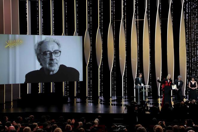 Une Palme d'or spéciale a été attribuée au cinéaste franco-suisse Jean-Luc Godard en son absence lors de la cérémonie de clôture du 71e Festival de Cannes, le 19 mai 2018.