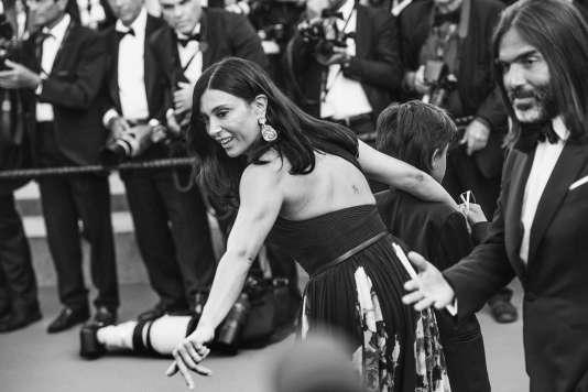 La réalisatrice libanaise Nadine Labaki lors de la montée des marches pour la cérémonie de clôture au 71e Festival de Cannes, le 19 mai 2018.