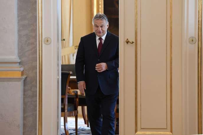 Le leader populiste hongrois du parti d'extrême droite Fidesz, Viktor Orban, nommé premier ministre pour une troisième fois, le 7 mai, à Budapest.