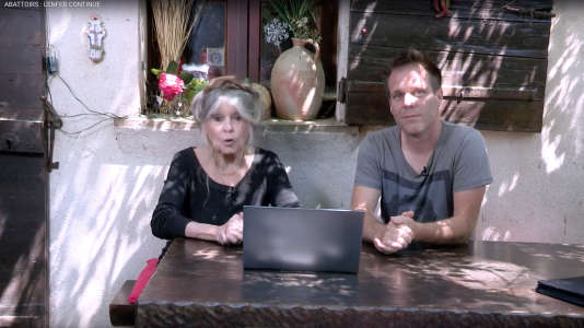 Capture d'écran de la vidéo de Brigitte Bardot et Rémy Gaillard, mise en ligne sur les réseaux sociaux le 21 mai.
