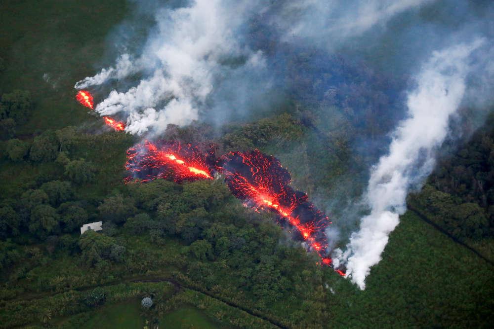 Les scientifiques ne craignent toutefois pas de victimes, car les zones résidentielles les plus exposées ont été évacuées et la région où se trouve le volcan –dans le sud-est de l'île– n'est pas très peuplée.