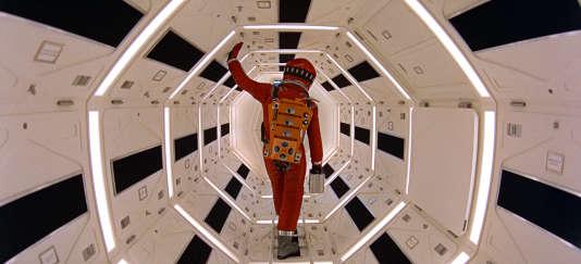 L'acteur Keir Dullea dans le rôle de Dave Bowman, l'un des deux astronautes dans «2001 : l'Odyssée de l'espace» (« 2001: A Space Odyssey »), de Stanley Kubrick.