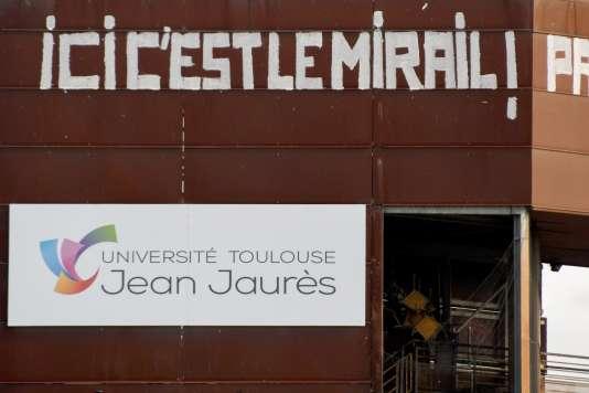 Devant l'université Toulouse-Jean-Jaurès, le 30 avril 2018.