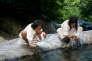 Indiens Kogis à la rivière Sierra Santa Marta, en Colombie.