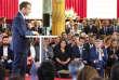 Emmanuel Macron devant des habitants et acteurs des banlieues, à l'Elysée, le 22 mai.