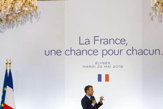 Emmanuel Macron s'exprime devant des acteurs des banlieues à l'Elysée, mardi 22 mai 2018.