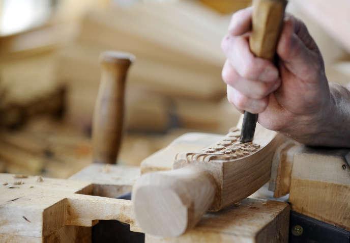 L'atelier du fabricant français de meubles de luxe Counot-Blandin à Liffol-le-Grand (Vosges).