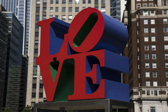 La sculpture « Love » de Robert Indiana, dans le Love Park, à Philadelphie.