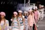 Les mannequins présentent des créations lors du défilé Chanel Croisière, au Grand Palais, à Paris, le 3 mai.