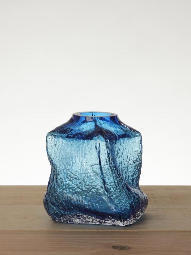 Exemplaire d'une série spéciale du vase Douglas, soufflé par des verriers de Brooklyn avec ceux de Meisenthal, sous la houlette du designer François Azambourg.
