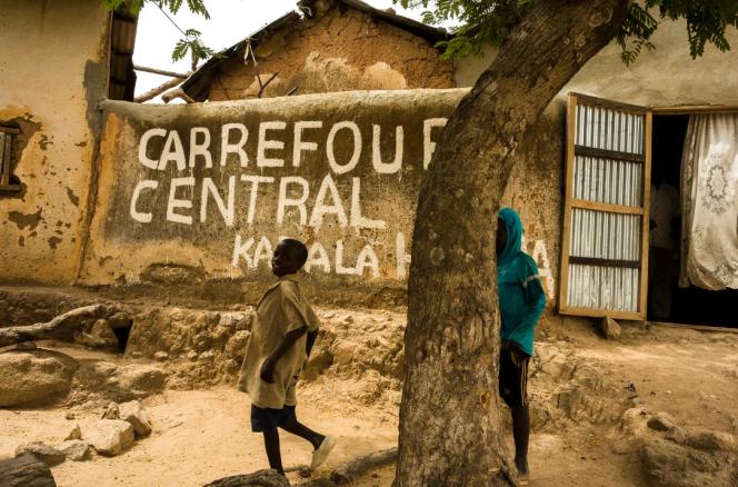 A Tourou, village camerounais à la frontière avec le Nigéria, le 12 mai.Depuis 2014, celui-ci a subi de multiples attaques de Boko Haram.