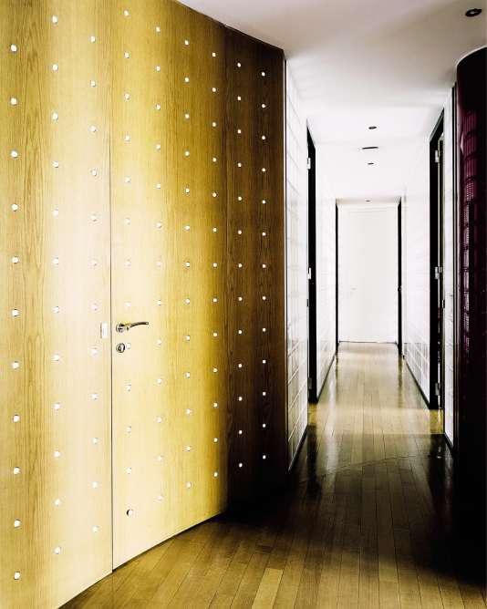 Les cloisons des bureaux imaginées par le designer Gianfranco Frattini, dans les années 1980.