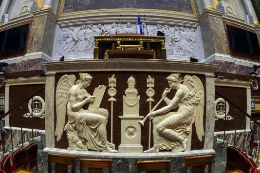 L'un des projets de loi de réforme des institutions préconise la baisse de 30% du nombre de parlementaires.