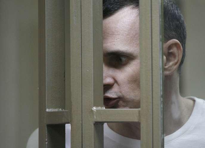 Le cinéaste Oleg Sentsov, lors de son procès, à Rostov-sur-le-Don (Russie), en août 2015.