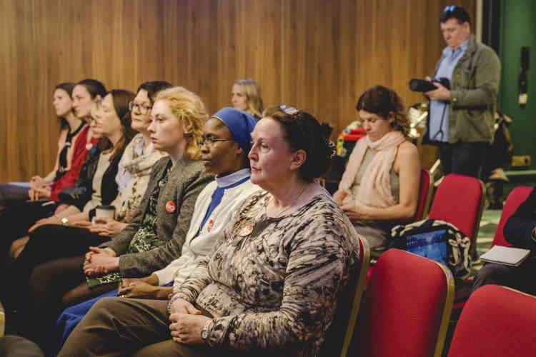 Une conférence de presse organisée par le mouvement anti-avortement « Nurses 4 LIfe». En Irlande, l'avortement a toujours été conditionné non pas à la libre disposition de leur corps par les femmes, mais à leur santé mentale, au viol et aux anomalies foetales.