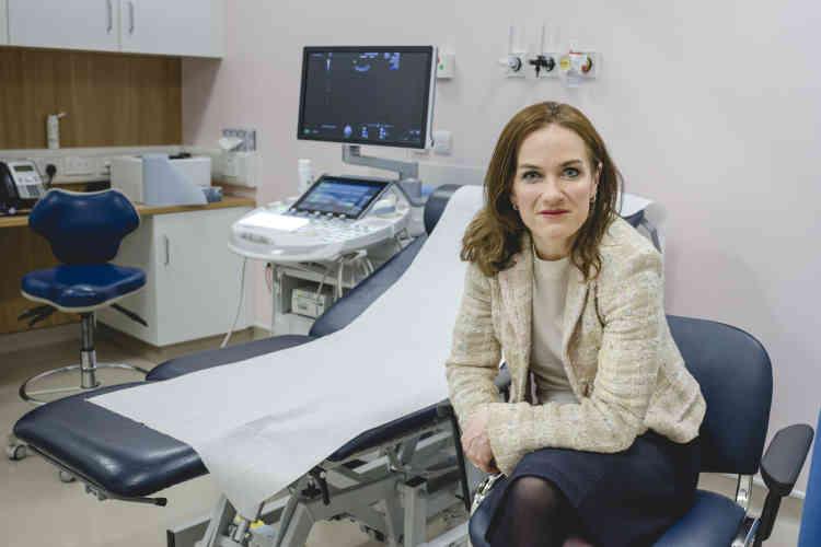 Le Docteur Rhona Mahony, directrice du National Maternity Hospital est une figure de la campagne du«oui ».« Aujourd'hui, une femme doit etre mourante pour que je sois autorisée à interrompre sa grossesse», déplore-t-elle.