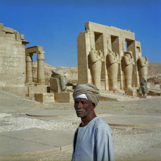 Le Ramesséum,le temple funérairedu pharaon Ramsès II, en face de Louxor.