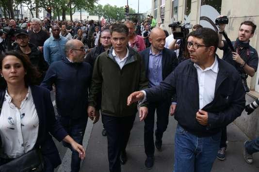 Le premier secrétaire du Parti socialiste, Olivier Faure, lors de la manifestation parisienne des fonctionnaires, le 22 mai.