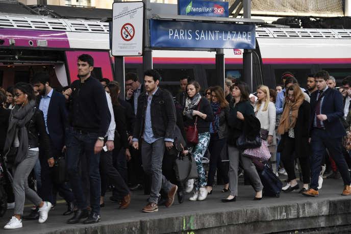 A la gare Saint-Lazare à Paris le 24 avril, deuxième jour de grève de la SNCF.