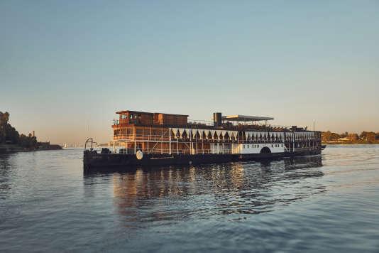 Le bateau à vapeur Sudan.