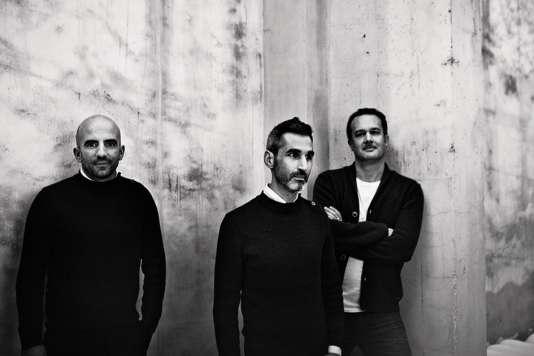 Les architectes Nicola Delon, Julien Choppin et Sébastien Eymard de l'agence Encore Heureux.