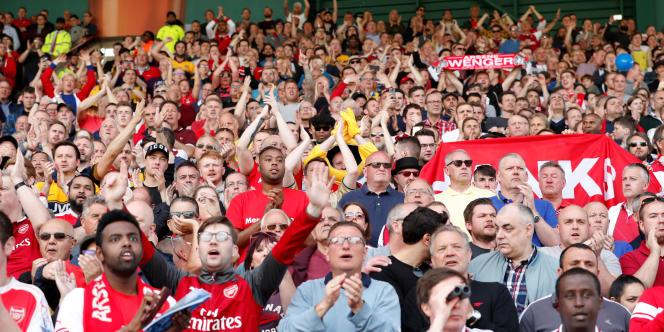 Des supporteurs du club d'Arsenallors d'un match contre Huddersfield, le 13 mai 2018.