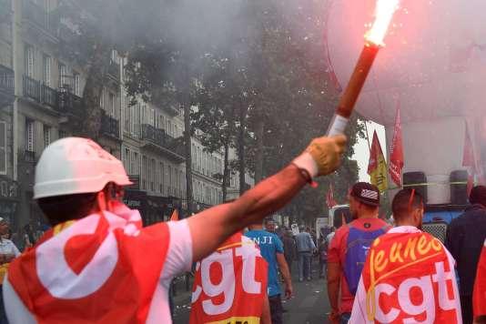 Syndicalistes de la CGT lors de la manifestation du 22 mai à Paris.
