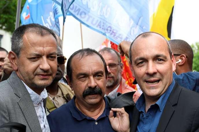 Pascal Pavageau(FO) Philippe Martinez (CGT) et Laurent Berger (CFDT) à la manifestation parisienne du 22 mai.