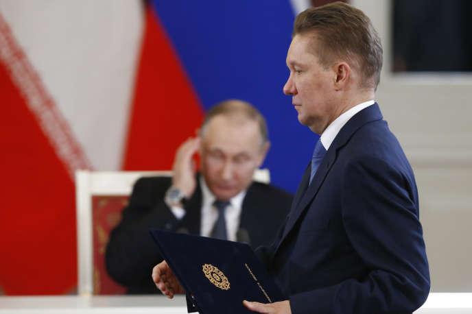Le patron de Gazprom, Alexeï Miller, et le président de la Russie, Vladimir Poutine, à Moscou, en mars 2017.