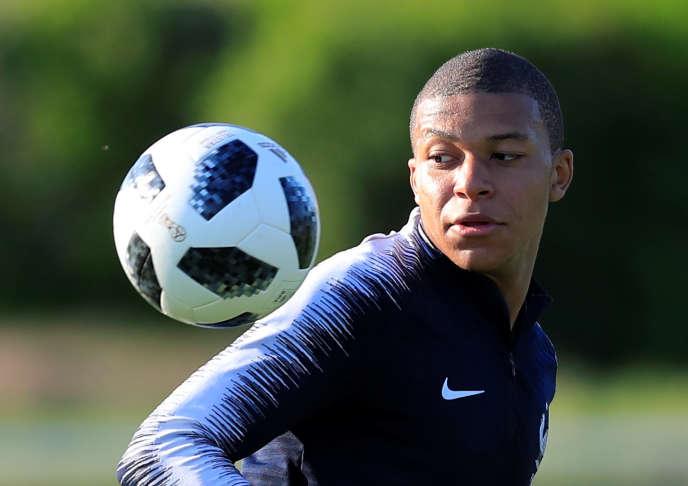 Agé de 19 ans, le Français Kylian Mbappe est le deuxième plus jeune joueur de la Coupe du monde.