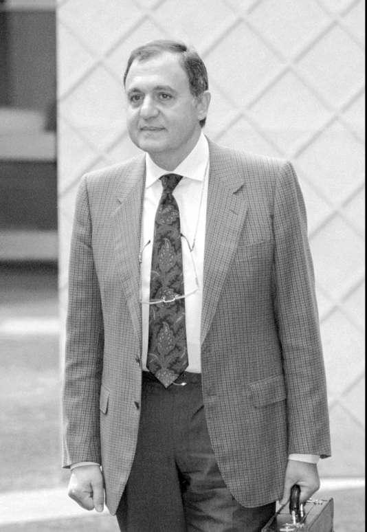 Paolo Savona, alors ministre de l'industrie, en avril 1994.