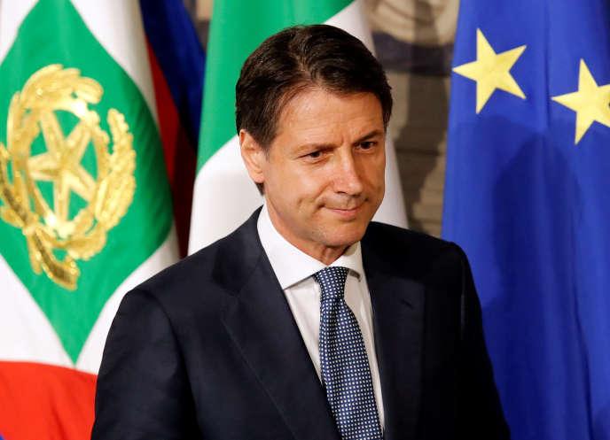 Le nouveau président du conseil italien, Giuseppe Conte, avant sa rencontre avec le président de la République, Sergio Mattarella, à Rome le 23 mai.