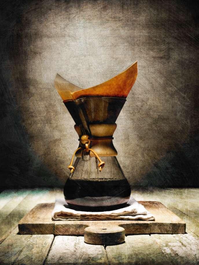 Oubliez la cafetière électrique. Pour du café filtre, optez pour une cafetière en verre type Chemex.