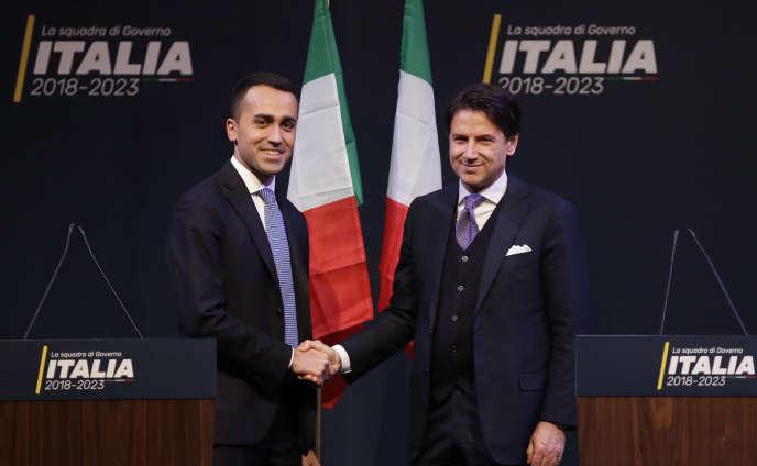 «Les deux formations politiques convergent vigoureusement dans le rejet de l'autre» (Giuseppe Conte, à droite, et le leader du M5S, Luigi Di Maio, le 1er mars, à Rome).