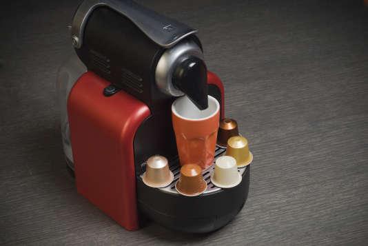 Pour les amateurs d'expressos qui n'ont pas de «coffee shop» sous la main, la machine Nespresso reste la meilleure alternative.