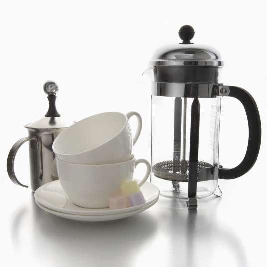 Facile d'utilisation et conviviale, la cafetière à piston présente une difficulté majeure : trouver une mouture à la fois très grosse et très régulière.