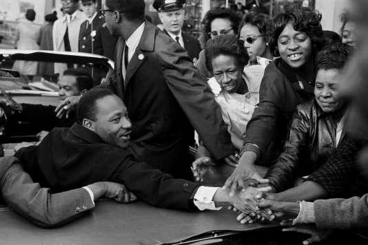 Martin Luther King Junior à Baltimore (Maryland, Etats-Unis), le 31 octobre 1964, après avoir reçu le prix Nobel de la paix.