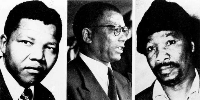 De g. à dr.: Nelson Mandela, Walter Sisulu et Gowan Mbeki,trois des dix accusés du procès de Rivonia, en 1963-1964,