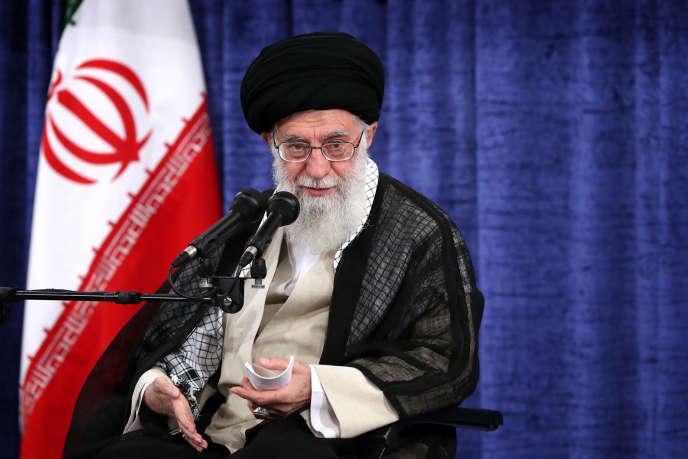 Le Guide suprême iranien Sayyid Ali Hosseini Khamenei, à Téhéran, le 23 mai.