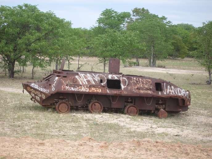Vestige de la guerre civile, à Xangongo, Angola.