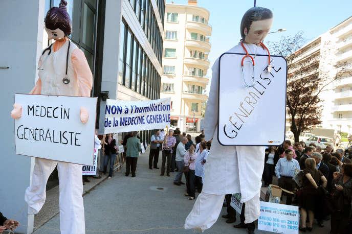 Manifestation de médecins généralistes à Villeurbanne, le 7 avril 2011.