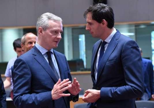 Wopke Hoekstra, ministre des finances des Pays-Bas, et Bruno Le Maire, son homologue français, le 24 mai.